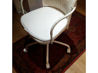 Swivel Desk Chair - White wicker - Like New