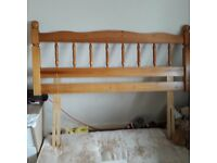 Double headboard in pine wood
