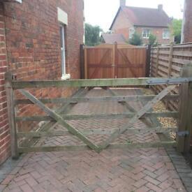 5 bar wooden gate
