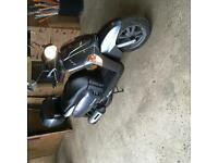 Kymco like scooter in great condition, small scratch to exhaust only