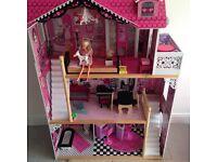 Barbie / amelias dolls house