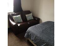Double Room in Falkirk £300 bills inc
