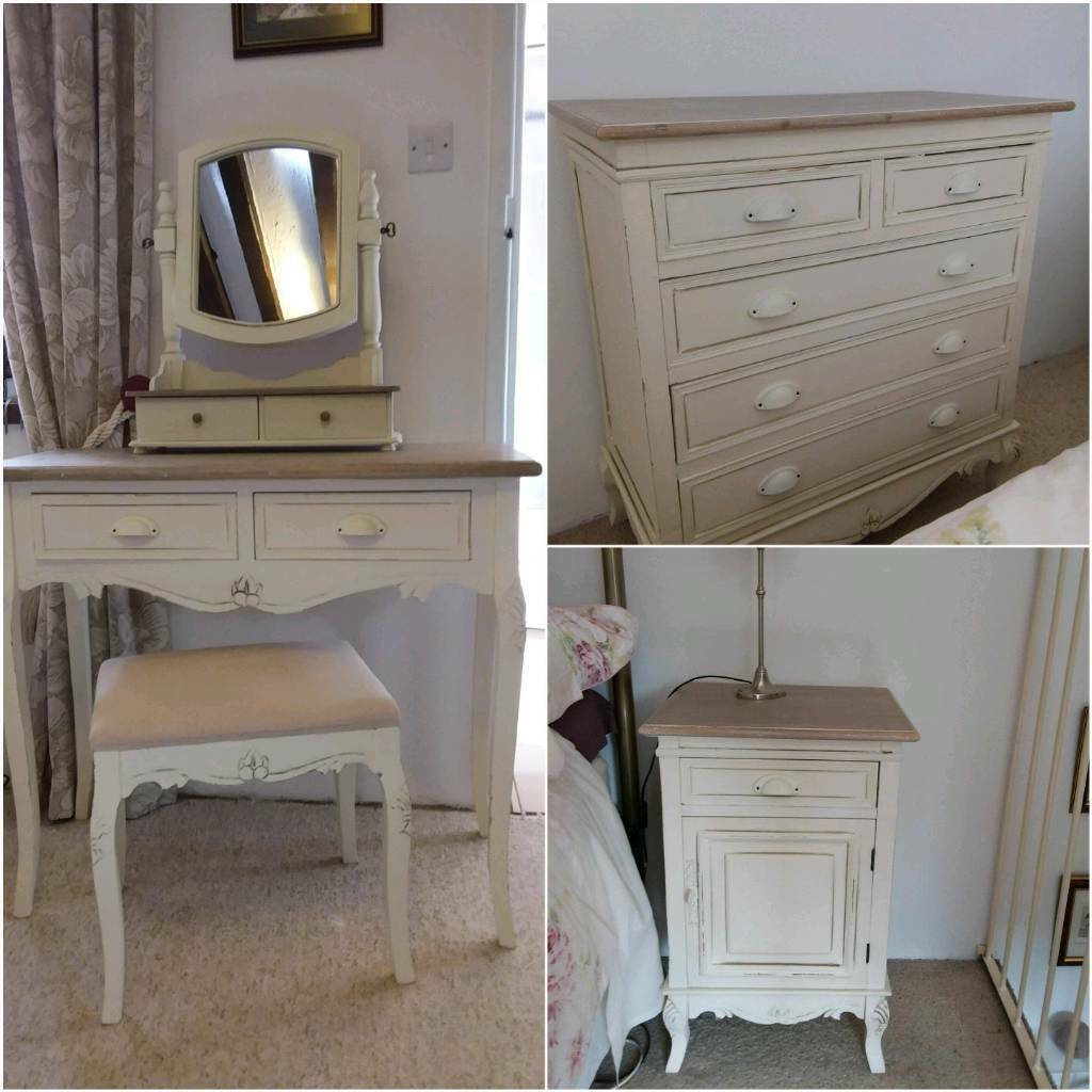 French Style Shabby Chic Bedroom Set