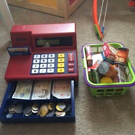 Excellent condition working til and basket with items