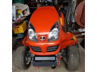 Sit on mower - Lawn tractor - Kubota 2120 Ride on mower - As brand new, kept in garage