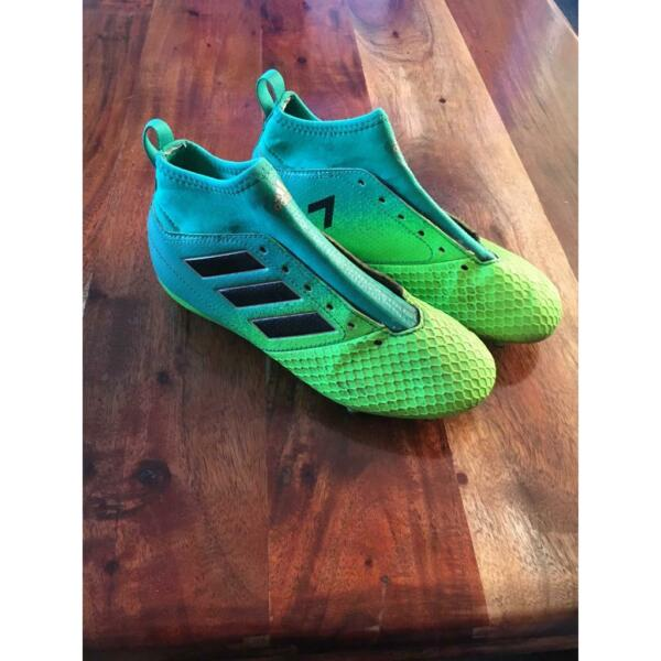 Kids Adidas football boots uk size 2 for sale  Newcastle, Tyne and Wear