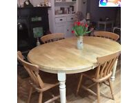 Beautiful pine dining table and 4 chairs