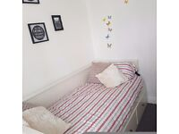 *****AMAZING/CONFORTABLE SINGLE/DOUBLE BED*****