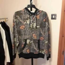 Man's casual hoodies jumper size medium