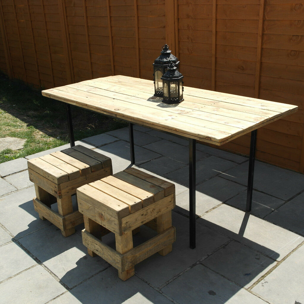 Reclaimed Wood Patio Table With 2 Stools