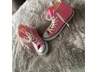 Converse in pink