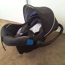 Silver Crest Baby Pram and Carrycot + bag