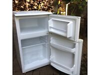 Under work top fridge/freezer