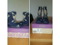 GIRLS CLARKS BOOTS SIZE 7F IMMACULATE