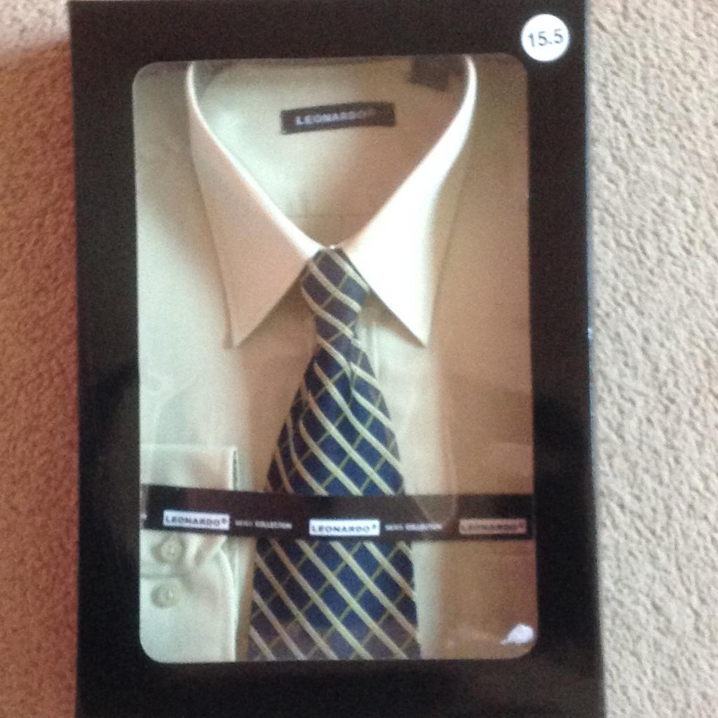 Men's brand new shirt and tie set