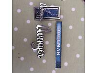 Hillman Avenger factory handbooks and badges