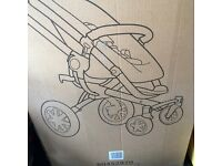 Quinny Buzz 3 wheeler, with sit up and new born flat bed. Fully Boxed