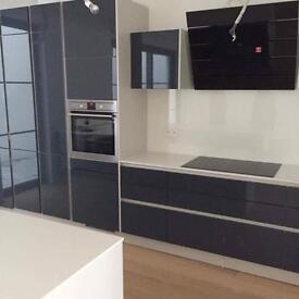 BUILDING SERVICES/Bathroom+Kitchen Fitting/Plastering,Tiling