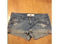 HOLLISTER SHORTS SIZE 3/8