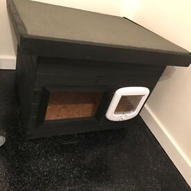 BRAND NEW Cat house/shelter/loo