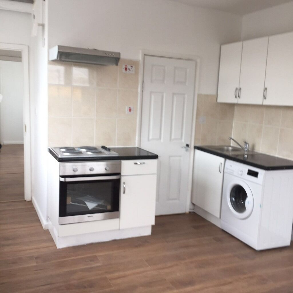 BRAND NEW 1 BEDROOM FIRST FLOOR FLAT READY TO MOVE IN PERIVALE (UB6)