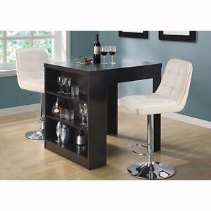 CA COUNTER HEIGHT TABLE W 2 BAR STOOLS