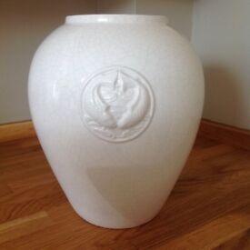 Cream crackle glaze ginger jar style pot/vase