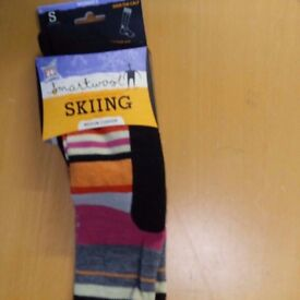 SMARTWOOL LADIES SKI SOCKS SIZE SMALL ( UK SIZING 2 - 4.5 )..New In Packaging..