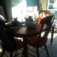 6 piece solid oak table and 6 chairs, with leaf