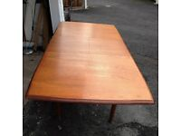 Stylish solid wood Dining table