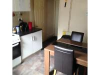 Room to rent in large House on Chesterfield Rd, Heeley.