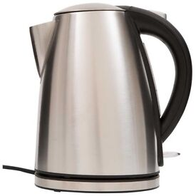 Stainless Steel Kettle & four Slice Toaster