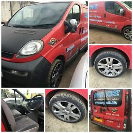 vauxhall vivaro van red 1.9 DI 2002 front bumper all parts available