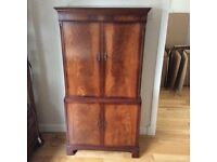 Mahogany coloured cabinet