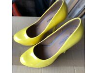 Odeon yellow wedge shoes size 6 adult
