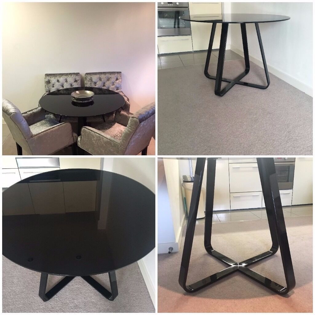 reduced dwell round dining table black gloss 110cm excellent condition in isleworth london. Black Bedroom Furniture Sets. Home Design Ideas