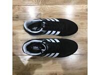 Adidas Neo 10k trainers, size UK 8 black