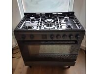 Bush AGE96RA 90cm Range Cooker Gas & Electric oven. Used but very nice, clean, cooks well.