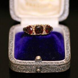 BEAUTIFUL 9CT YELLOW GOLD VICTORIAN GARNET AND DIAMOND TRILOGY SCROLL FILIGREE , SIZE O