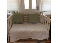 Boori urbane 3 in 1 cot bed