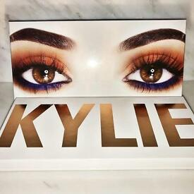 Kylie Jenner Royal Peach Pallet