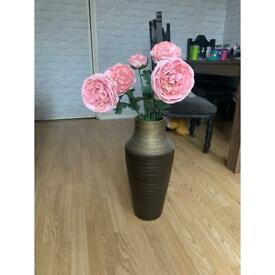 Large golden and brown fade vase with peachy pink roses