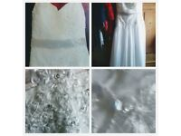 Stunning petite wedding dress size 18 ,extends to 20&22