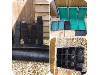 200 plastic plant pots, seed trays - allotment clearout