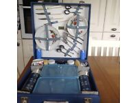 Vintage Brexton Picnic set 4 setting. Never been used. Mint condition . Suit classic car owner.