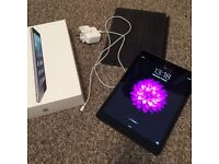iPad Air 32g WIFI with original box/charger and magic case