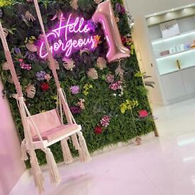 STYLIST CHAIR | BEAUTY ROOM | NAIL BAR TO RENT (low fees)