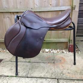 Stubben Brown jump gp Saddle
