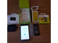 Like New LG G5 and Extras