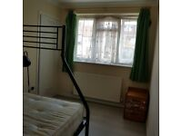 Double Room to rent in newly refurbish flat with all bills included
